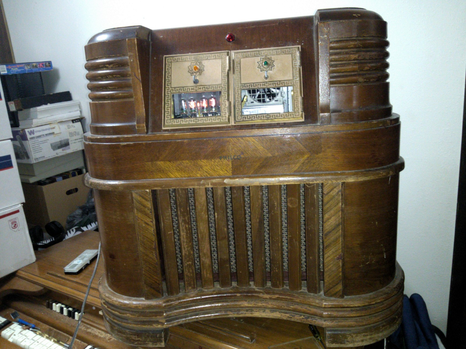 Vintage Radio Transformed Into Custom Pc Case Hackaday